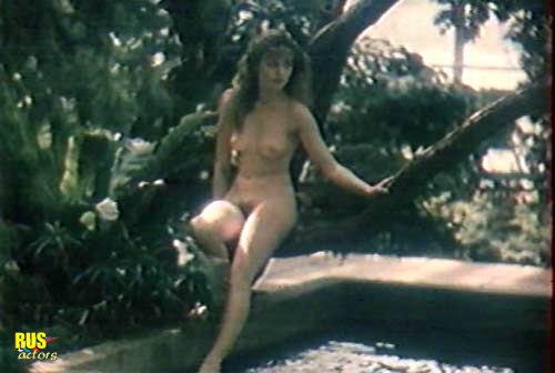 seks-golih-devushek-s-golimi-parnyami-video