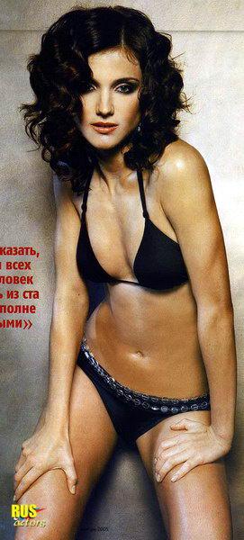 porno-devushka-v-prozrachnom