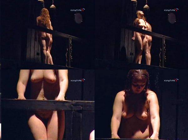 golie-aktrisi-na-stsene-video